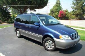 2002 Kia Sedona Minivan, Van