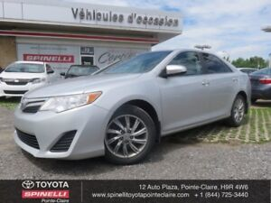 2013 Toyota Camry LE UPGRADE PKG ROOF BACK UP CAM!!!!!