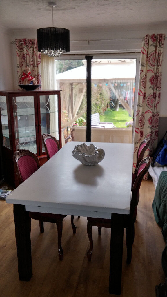 Modern White Dining Table 6fx3f With 4 Victorian Chairs