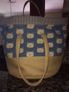 ADORABLE Cat-Themed  LIKE-NEW LARGE BAG!