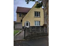 Large 3 bed family home TO LET NOW larg gardens and garage