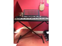 YAMAHA YPT-210 KEYBOARD WITH ADJUSTABLE STAND