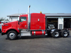2013 Kenworth T800 aero cab flat top, with 46,000 Rears