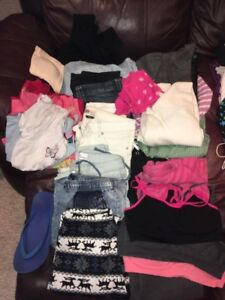 sz 3-4 ladies jeans, tops and more! All $50
