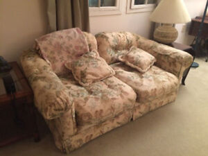 Floral Print Love Seat w/Matching Chair