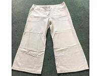 (Reserved) Ladies Topshop White 3/4 Length Trousers ~ Size 12