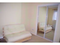 Fantastic, bright room located 10 min walk from Glasgow Uni