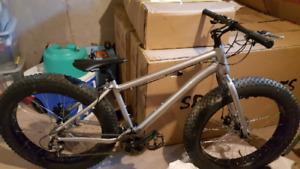 26x4 inch Fat Tire Bike