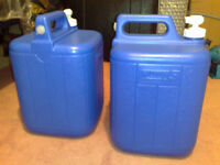COLEMAN 5 GALLON WATER CARRIER/CONTAINER/DISPENSER COLOUR BLUE