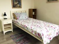 Single Room, Nice and Bright in Refurbished Flat in EN8