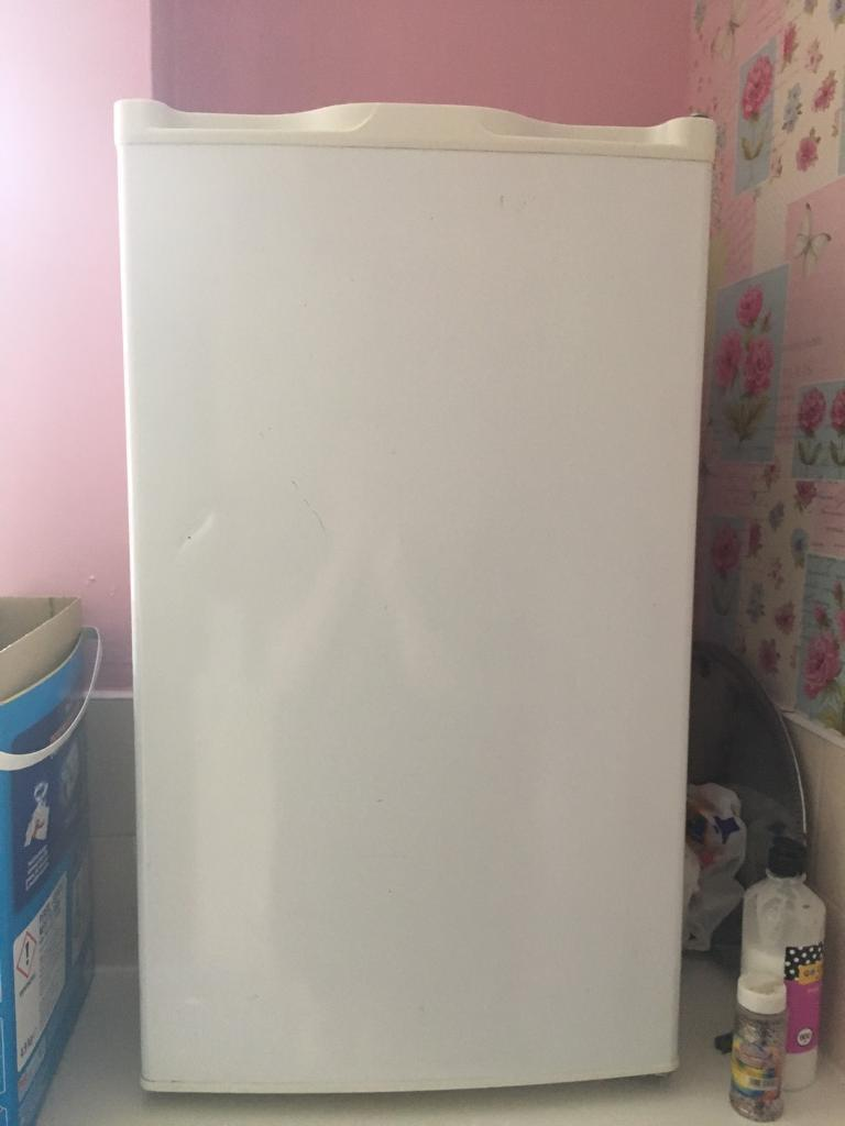 Under counter fridgein Stoke on Trent, StaffordshireGumtree - Collection only under counter fridge good condition selling due to having a new one