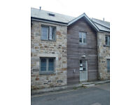 One bedroom good size ground floor apartment. Fully fitted kitchen close to bus and train station