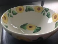 Aston Pottery Oxfordshire Hand Painted Sunflower Design Large Fruit Bowl/Dish
