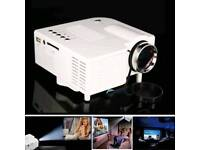 Compact travel projector including delivery!!!