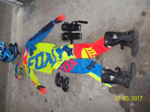 youth motocross gear, like new used 3 times