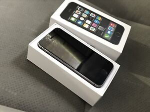 Apple iPod touch 6th Generation (64GB)