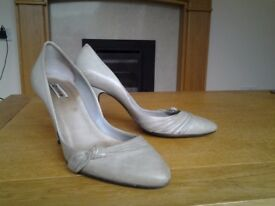 Dove Grey Vintage Style High Heels - Size 7