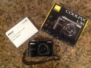 Nikon Coolpix L30 - Like New Condition