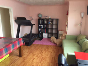 ***FULLY FURNISHED 2-bedroom suite in University area