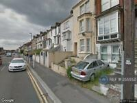 1 bedroom in Luton Rd Chatham, Chatham Kent, ME4 (1 bed)
