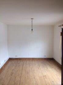 Studio Flat in Hackney E9, no agency fees, available asap