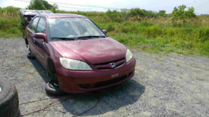 JUNKING 2005 HONDA CIVIC 1.7 5 SPEED LOADS GOOD PARTS