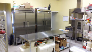 COMMERCIAL UNIT WITH KITCHEN FOR LEASE