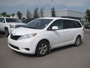 2011 Toyota Sienna LE V6 / Mint Condition