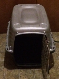Petmate 30-50 LB Dog Kennel