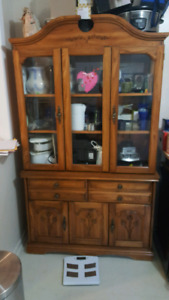 Display hutch with interior light