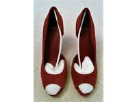New Carvela Peep Toe: Red Leather Suede Shoe/Sandal ¾ Cut Style. Size 41. Excellent Condition. Prom