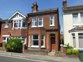 4 Bedroom 2 bathroom Victorian house and garden Bedford Place/The Avenue/Common £1400 per month