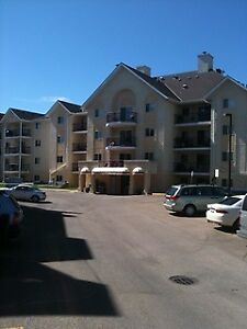 Fantastic Downtown 2 Bedroom Top Floor Unit Available Sept 1st