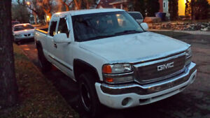PARTING OUT 04 GMC half ton 4x4 very good drive train