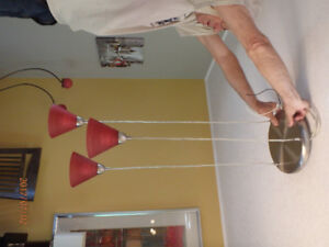 PENDANT LIGHTING WITH 3 RED FROSTED GLOBES