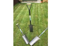 Drainage shovels for digging out for drainage or fence posts