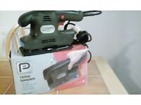B&Q PERFORMANCE 240V 150W ELECTRIC HAND SANDER
