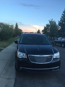 2013 Chrysler Town & Country Limited Minivan, Van