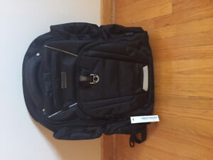 BRAND NEW Perry Ellis bag backpack P350 - $130.00 REDUCED ***