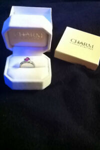 CHARM Diamond Centre ring