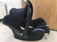 Maxi Cosi cabriofix black car seat. Group 0+