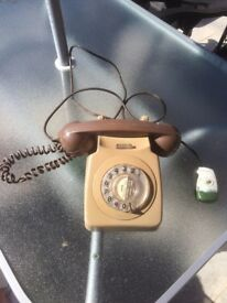 OLD FASHIONED GREEN HOUSE LANDLINE PHONE