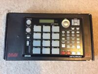 AKAI MPC 500 with power supply and extra ram