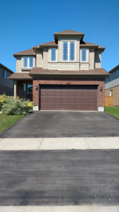 BIG 4 bedroom family house close to Costco