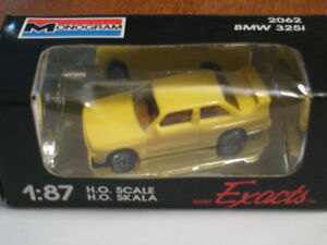 HO scale BMW 325i car for electric model trains
