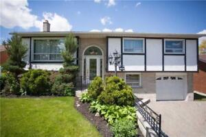 Beautiful Detached Home In Clarkson