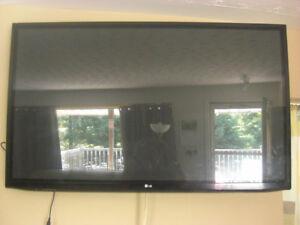 "FS: 50"" LG 50PA6500 Plasma TV with adjustable wall mount"