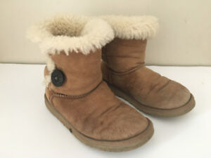 UGG Mini Boot with button - Women's size 6
