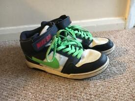 Nike Shoes - Good Condition - Size 5.5