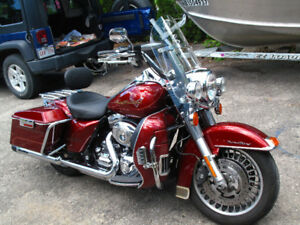 2009 Harley Davidson Road King FLHR Touring Package